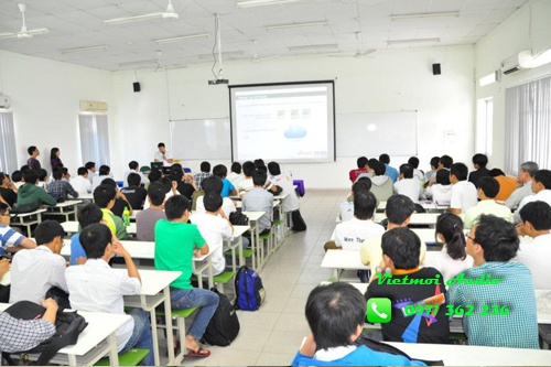Loa toa BS 678 tại đại học công nghiệp Hà Nội