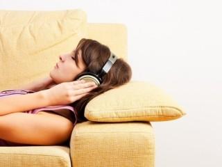 Nên nghe nhạc khi đi ngủ nhưng phải đúng cách