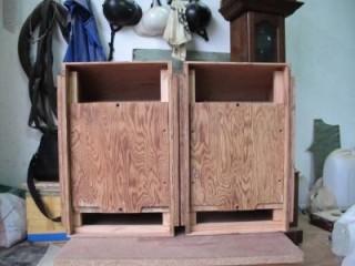 Vỏ loa làm bằng gỗ nu