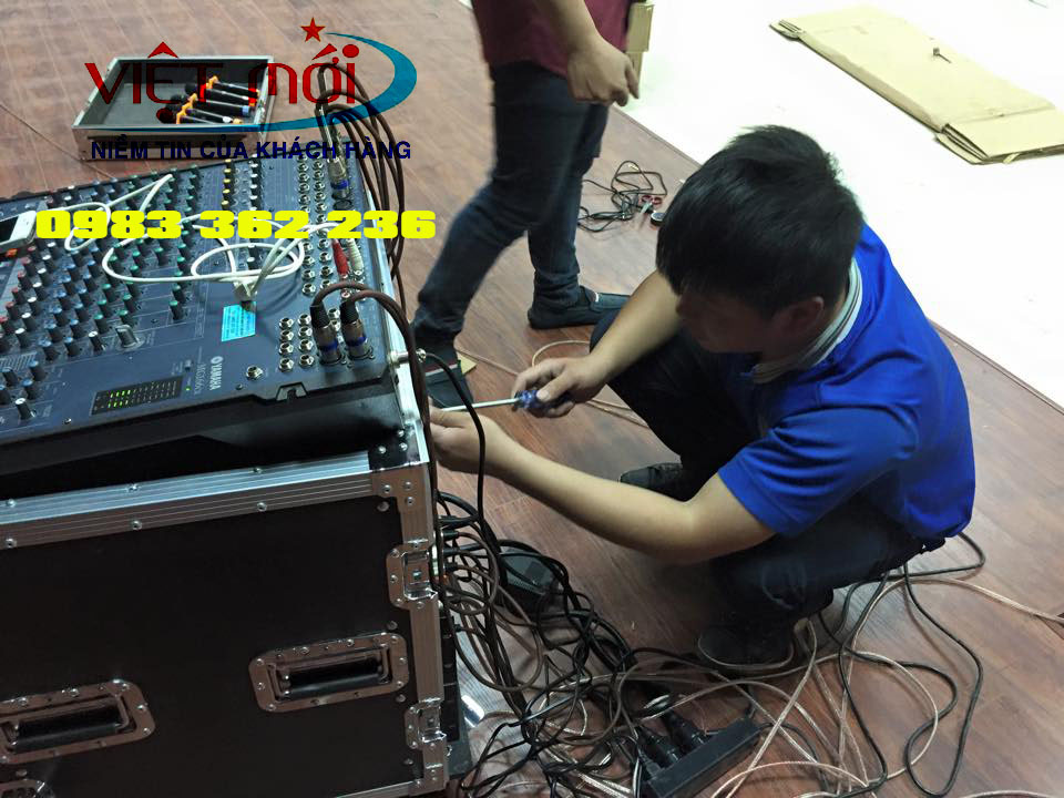 Micro không dây UHF cầm tay TOA WS-5225